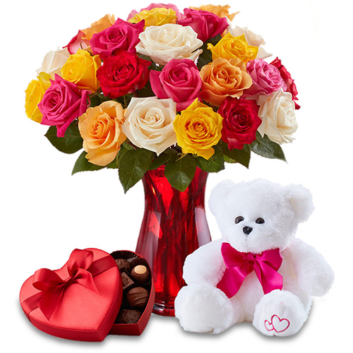 """""""Узнай мое сердце"""". Букет роз, плюшевый мишка и конфеты"""